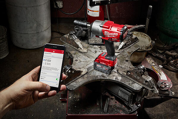 mobile phone user testing bluetooth tracking on tagged Milwaukee Tool equipment